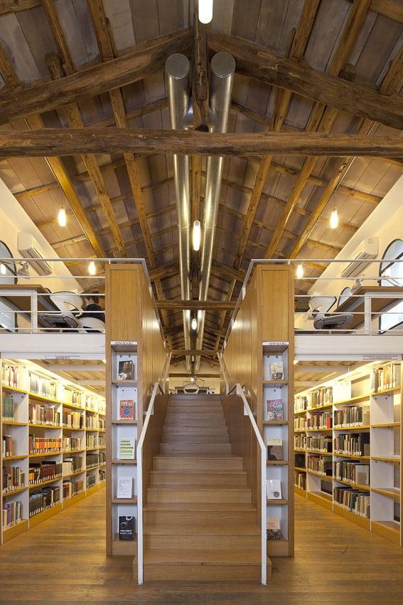 John Cabot Biblioteca - Roma LD