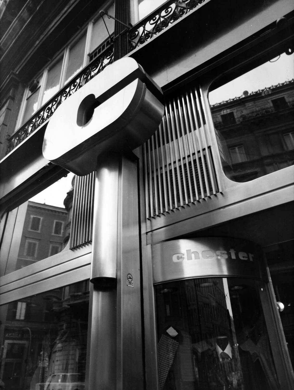 8 - Ristrutturazione e allestimento di negozio Chester Man in via Arenula, Roma - Vista esterna di dettaglio