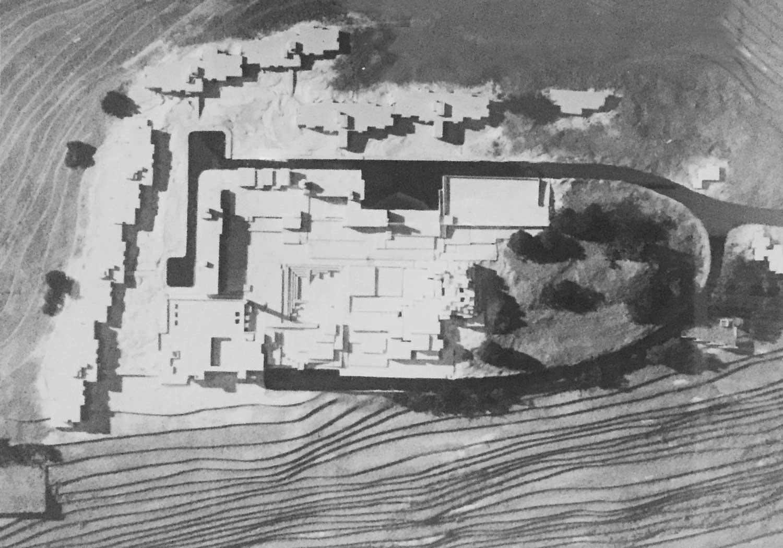 10 - Progetto del nuovo complesso ospedaliero psichiatrico provinciale a Fermo (AP); capogrupo con altri. Concorso nazionale, II premio ex aequo (I premio non assegnato) - Vista del plastico