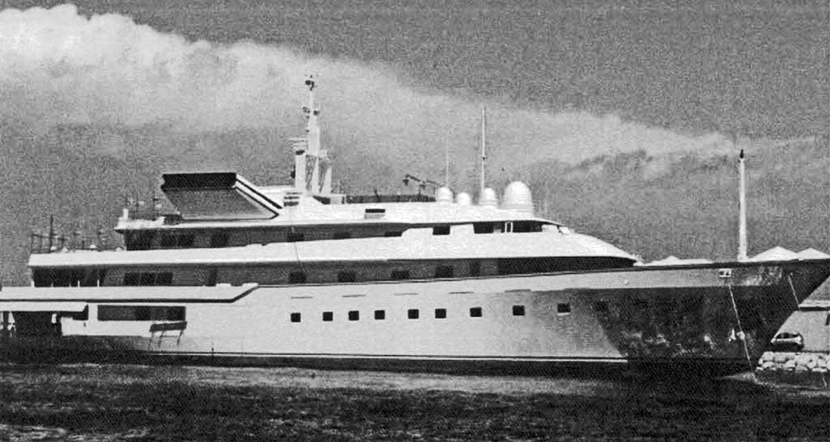 10 - Progetto di massima di un motoryacht da 80m, progetto esecutivo Banemberg Ltd - London; realizzato da Cantieri Benetti - Viareggio - Vista esterna