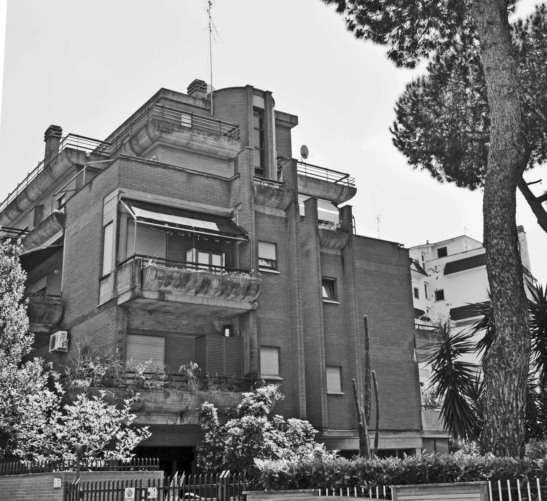10 - Palazzina residenziale in via Giovanni Acquaderni, Roma - Vista esterna