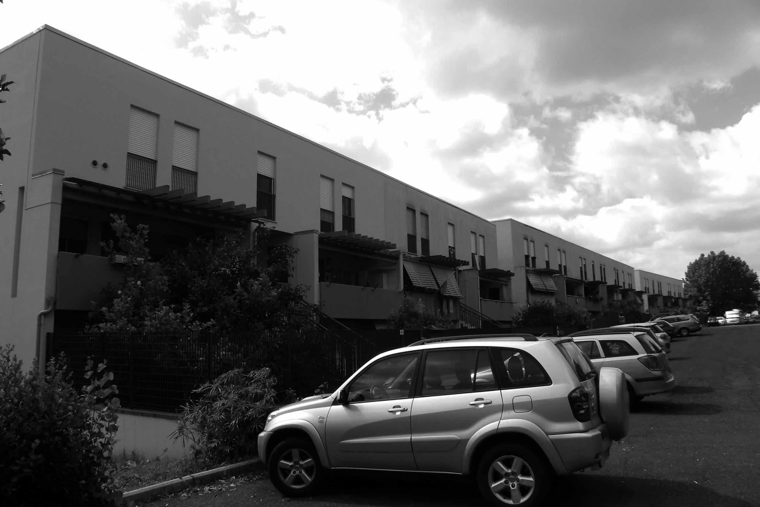 11 - Complesso per 118 alloggi nel PdZ di Fiano Romano (RM); con R. De Vito - Vista esterna