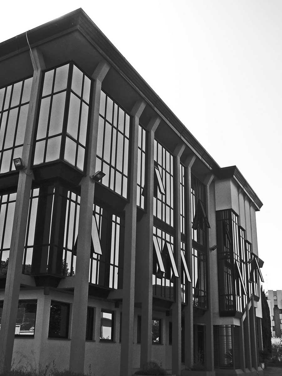 12 - Palazzo Pretorio e Uffici Giudiziari in via Donizetti, Albano Laziale (RM) - Vista esterna sud-ovest