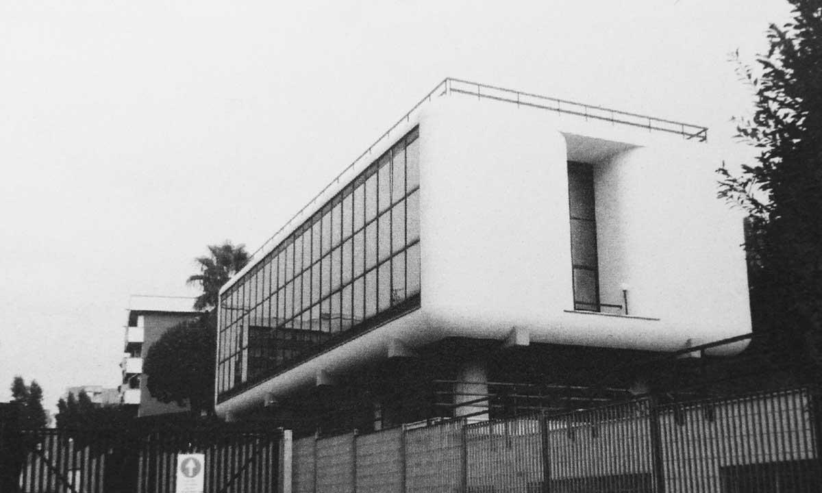 12 - Edificio per uffici, Roma - Torrino; con P. P. Sigismondi - Vista esterna