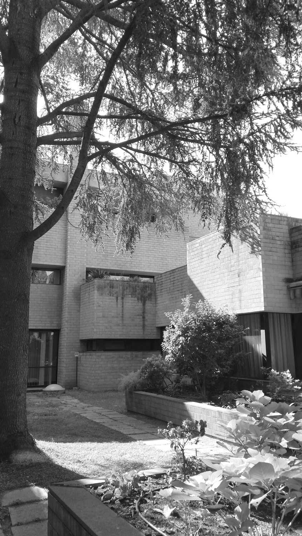 14 - Casa Generalizia delle Suore Minime di Nostra Signora del Suffragio in via della Stazione Aurelia, Roma; con E. Monti - Vista esterna