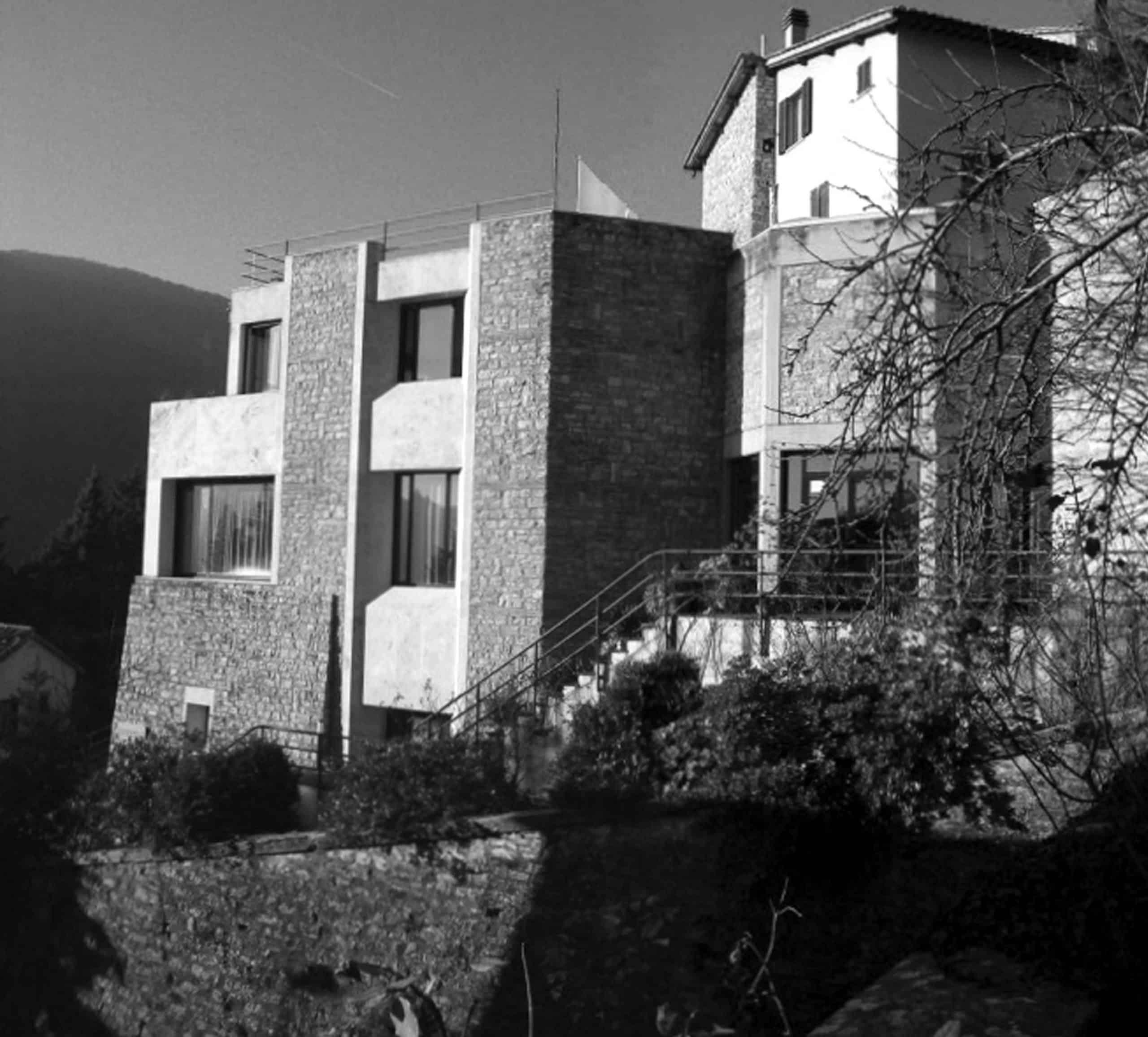 13 - Complesso edilizio per abitazioni e negozi in via Flaminia, Spoleto (PG) - Vista esterna