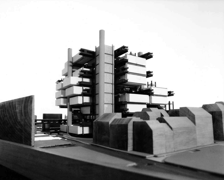 19 - Progetto del Centro Beaubourg a Parigi; capogruppo con altri. Concorso internazionale dei Ministeri dell'Educazione Nazionale e degli Affari Culturali - Vista del plastico