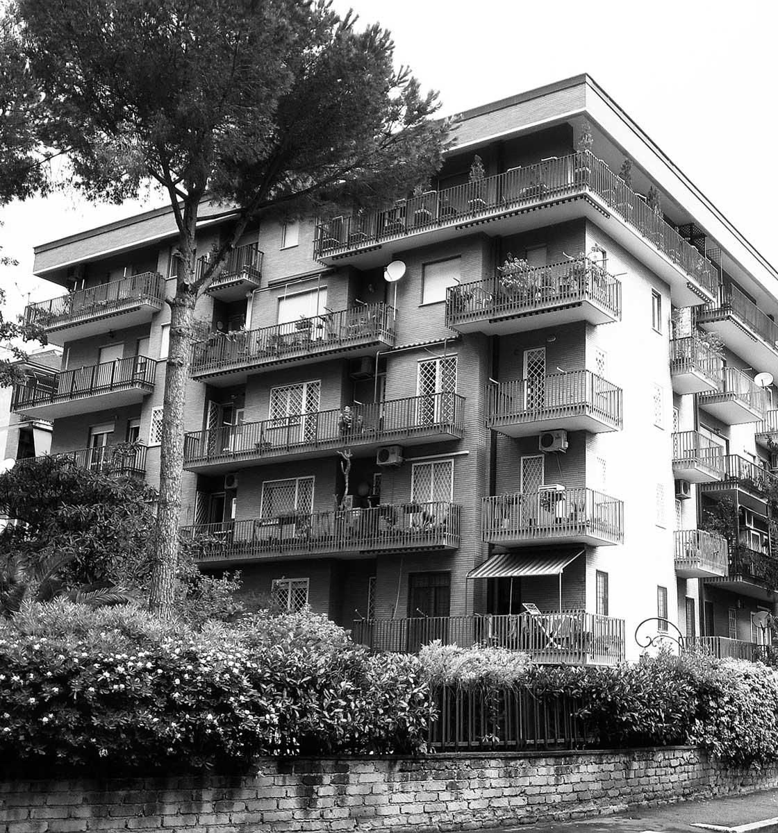 1 - Palazzina residenziale in via V. Renieri, Roma - EUR; in collaborazione - Vista esterna