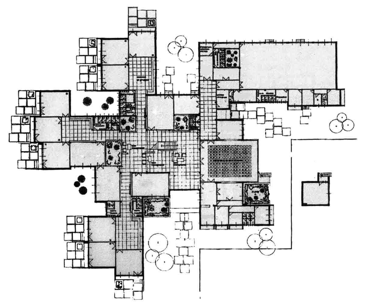 1 - Complesso scolastico in via dei Mitili a Fiumicino (RM), per Comune di Roma; con C. Canci e E. Mola - Pianta piano terra