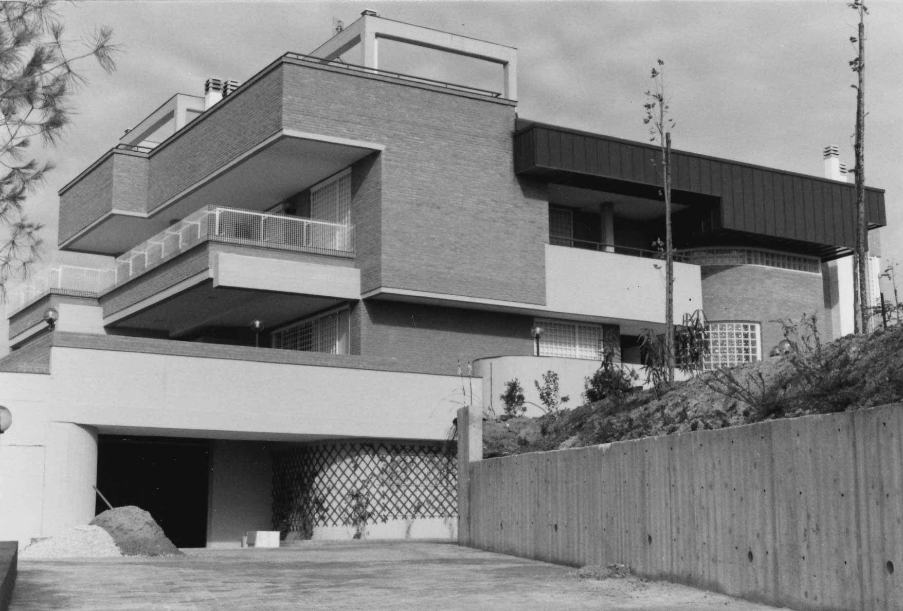 20 - Tre edifici mono e bifamiliari in via Scalo di Settebagni, Roma - Vista esterna