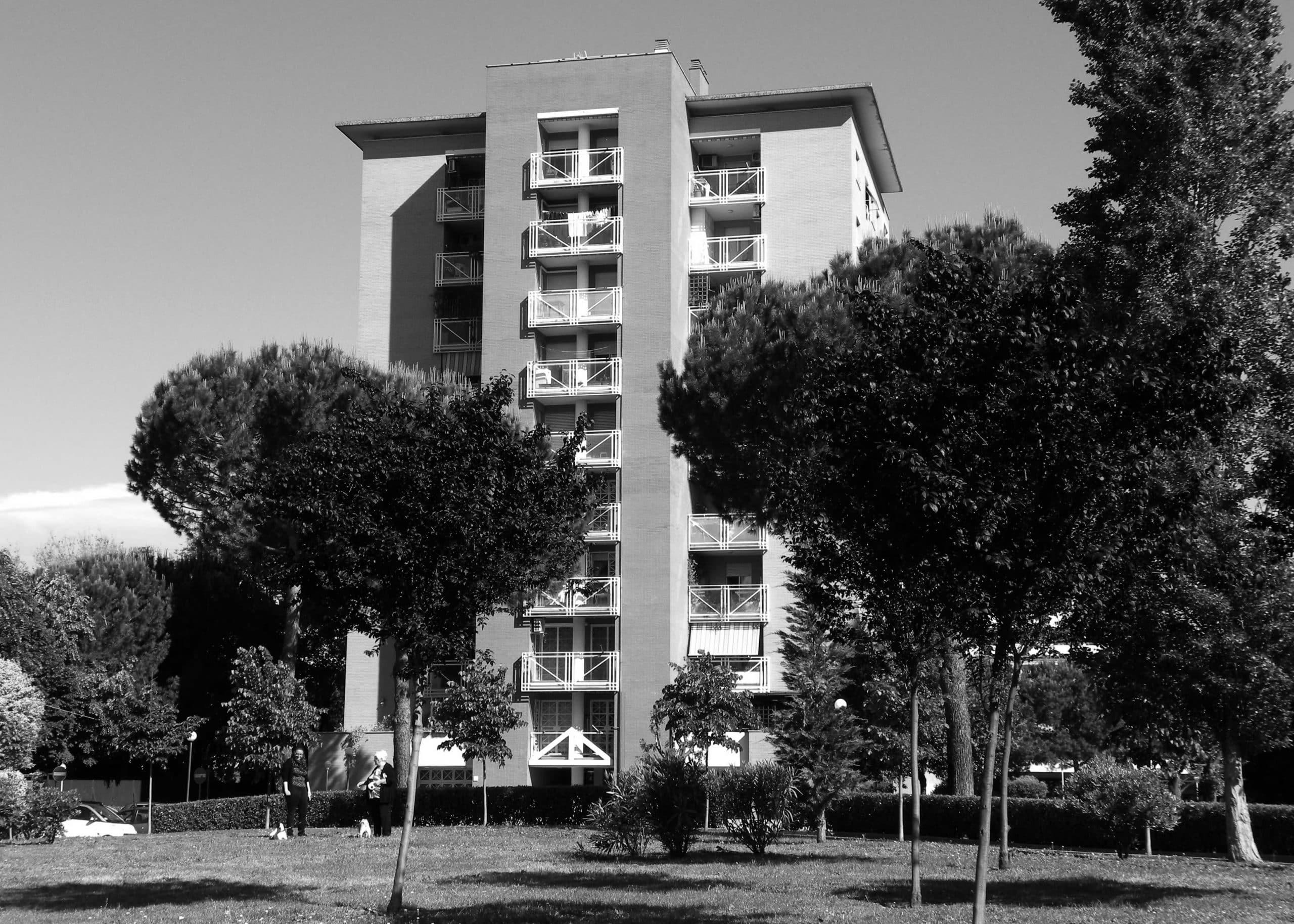 22 - Complesso residenziale per 216 alloggi e uffici nel PdZ Tiburtino Sud in via B. Bardanzellu, Roma - Vista esterna degli edifici residenziali