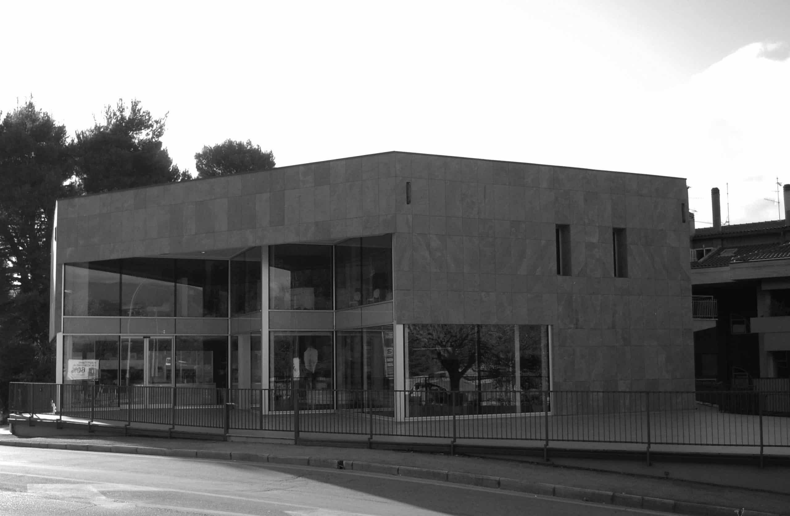 25 - Ristrutturazione del Mobilificio Regoli in via Nursina, Spoleto (PG) - Vista esterna