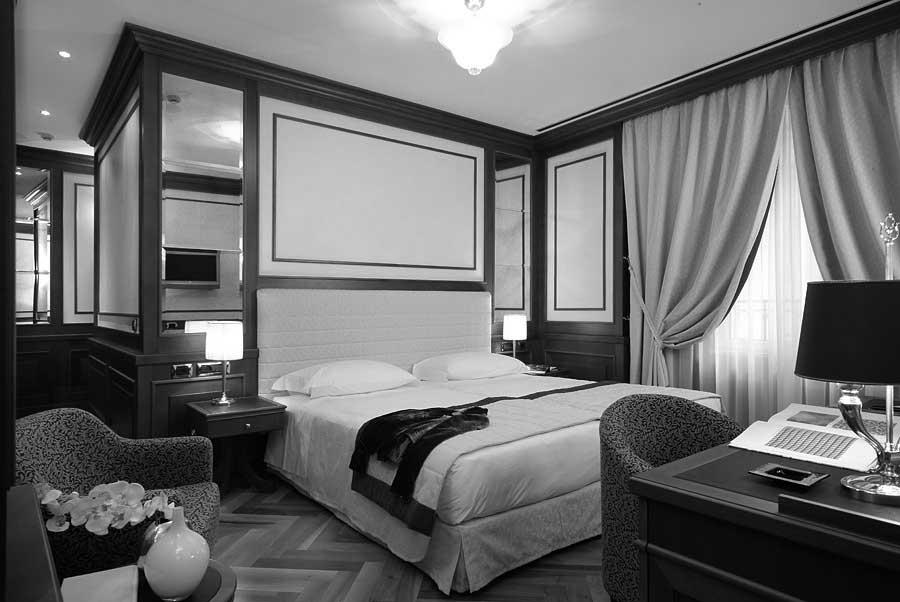 28 - Ristrutturazione, arredi interni e decorazioni Hotel Manzoni in via di Santo Spirito, Milano, per Giaveco Srl - Vista  interna