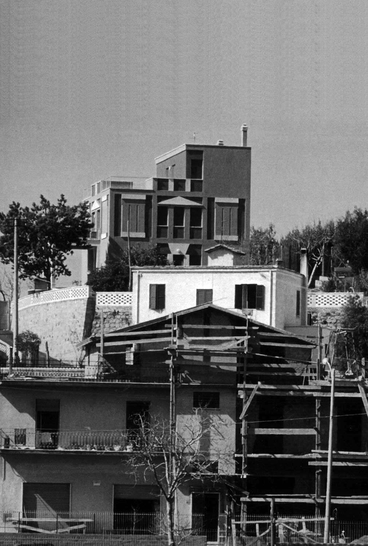 2 - Casa Rosato in via della Cellulosa, Roma - Casalotti; con G. P. Patrizi (GRAU) e E. Rosato - Vista esterna
