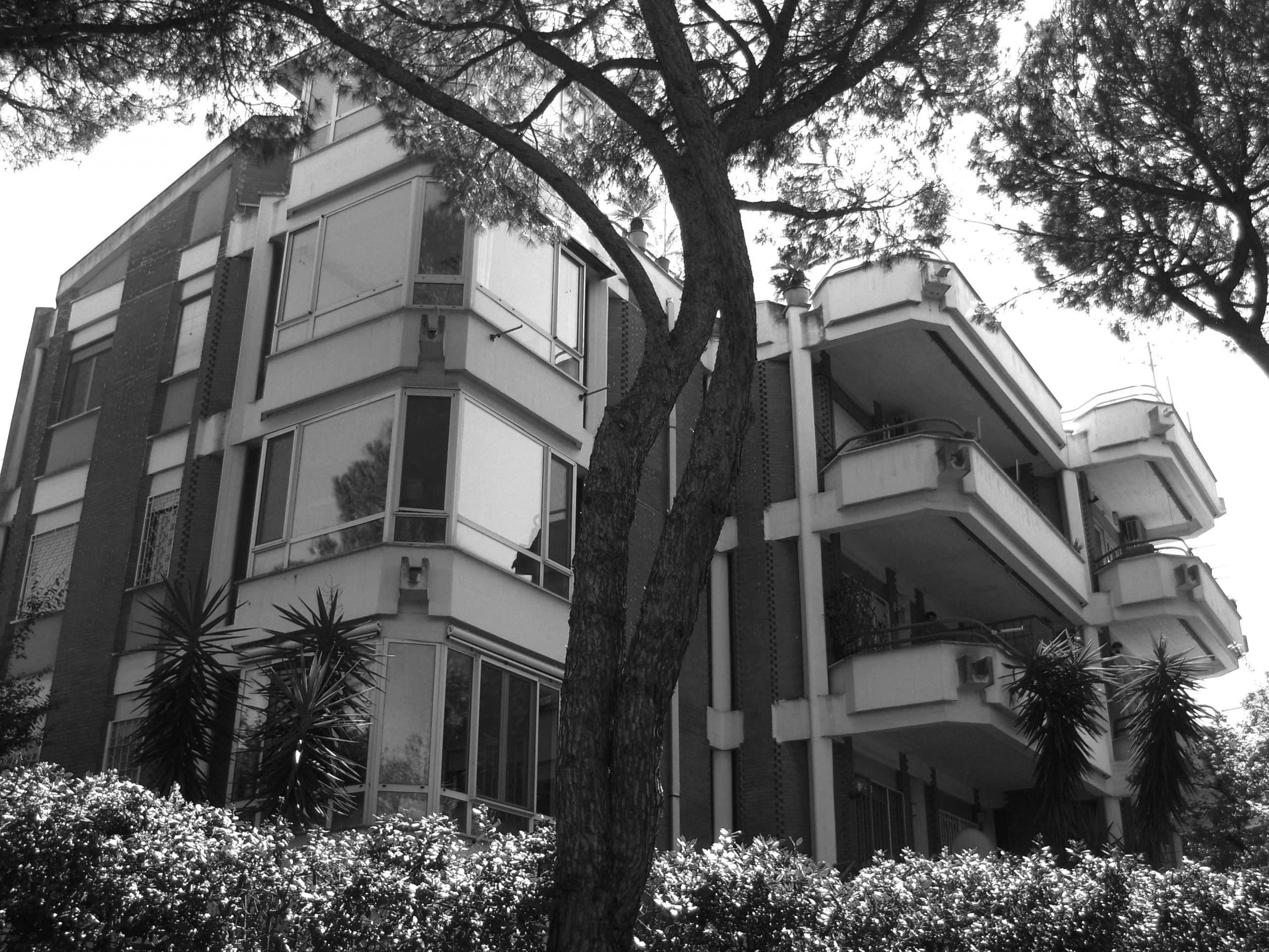 2 - Palazzina in via Forti a Mostacciano, Roma - EUR - Vista esterna