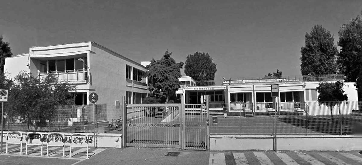 2 - Complesso scolastico in via dei Mitili a Fiumicino (RM), per Comune di Roma; con C. Canci e E. Mola - Vista esterna