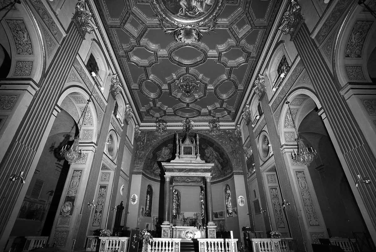 30 - Opere di consolidamento, rifacimento e restauro nel Complesso della Cattedrale di S. Clemente, Velletri (RM) - Vista interna del controsoffitto cassettonato settecentesco restaurato