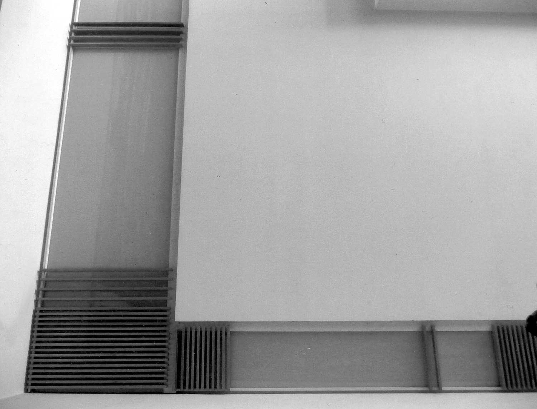 32 - Arredamento di casa-studio M. G. in via Margutta, Roma; con E. Monti - Vista di dettaglio del soffitto