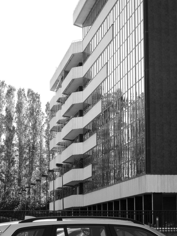 3 - Piano Urbanistico di Esecuzione del Comprensorio Zona D in via Benedetto Croce, Roma; con Studio LDB - Vista esterna del complesso per uffici, abitazioni e negozi
