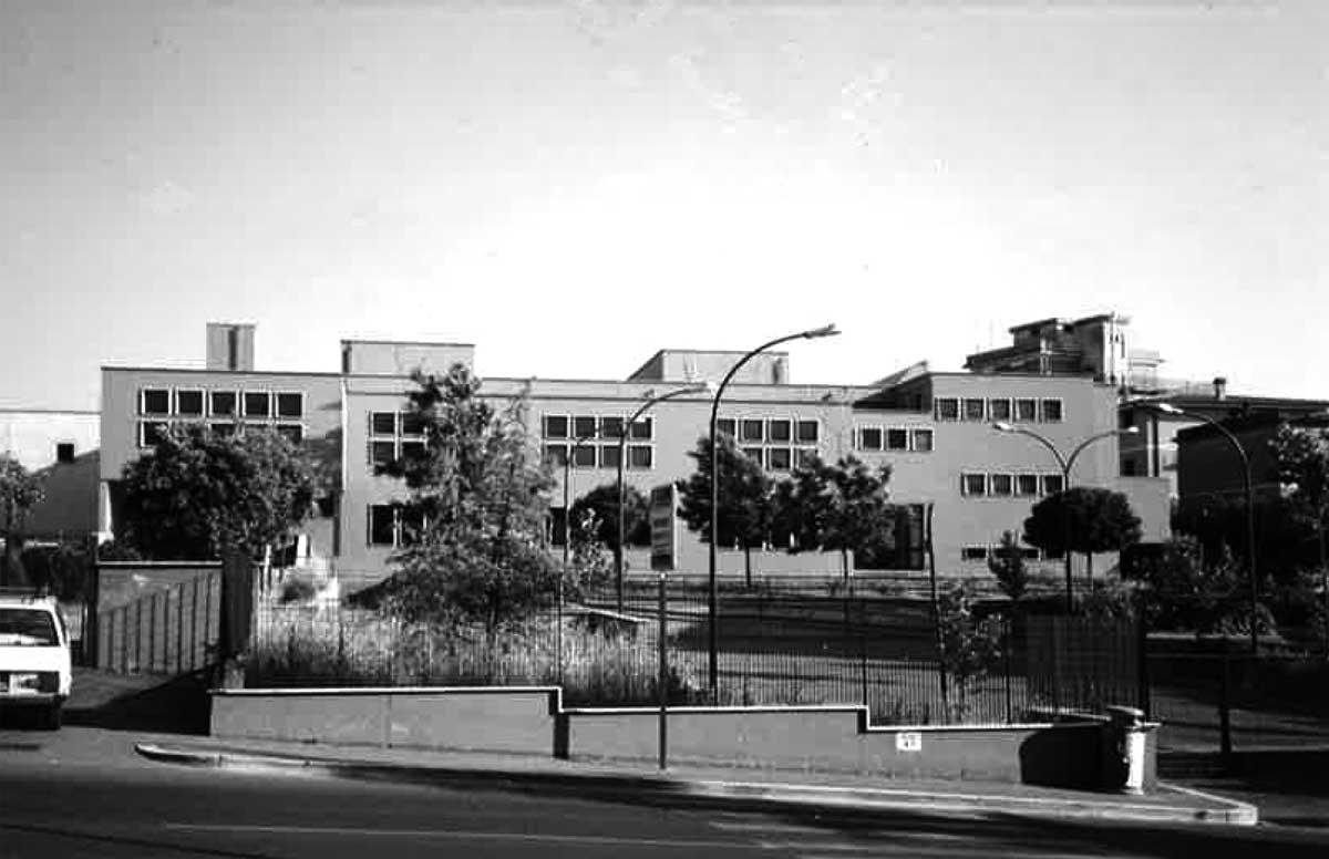 6 - Scuola media in via Nomentana, loc. Tor Lupara, Mentana (RM) - Vista esterna