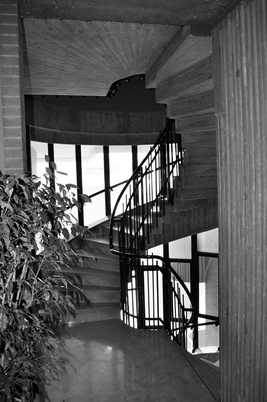 6 - Complesso residenziale in via della Pineta Sacchetti, Roma - Vista interna sulla scala