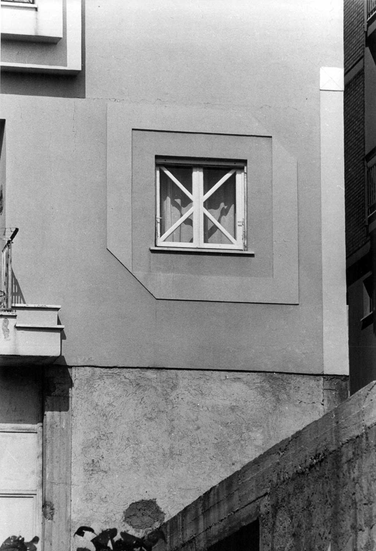 6 - Edificio di civile abitazione in via Roma, Cori (LT); con F. Montuori e F. Pierluisi (GRAU) - Dettaglio di facciata