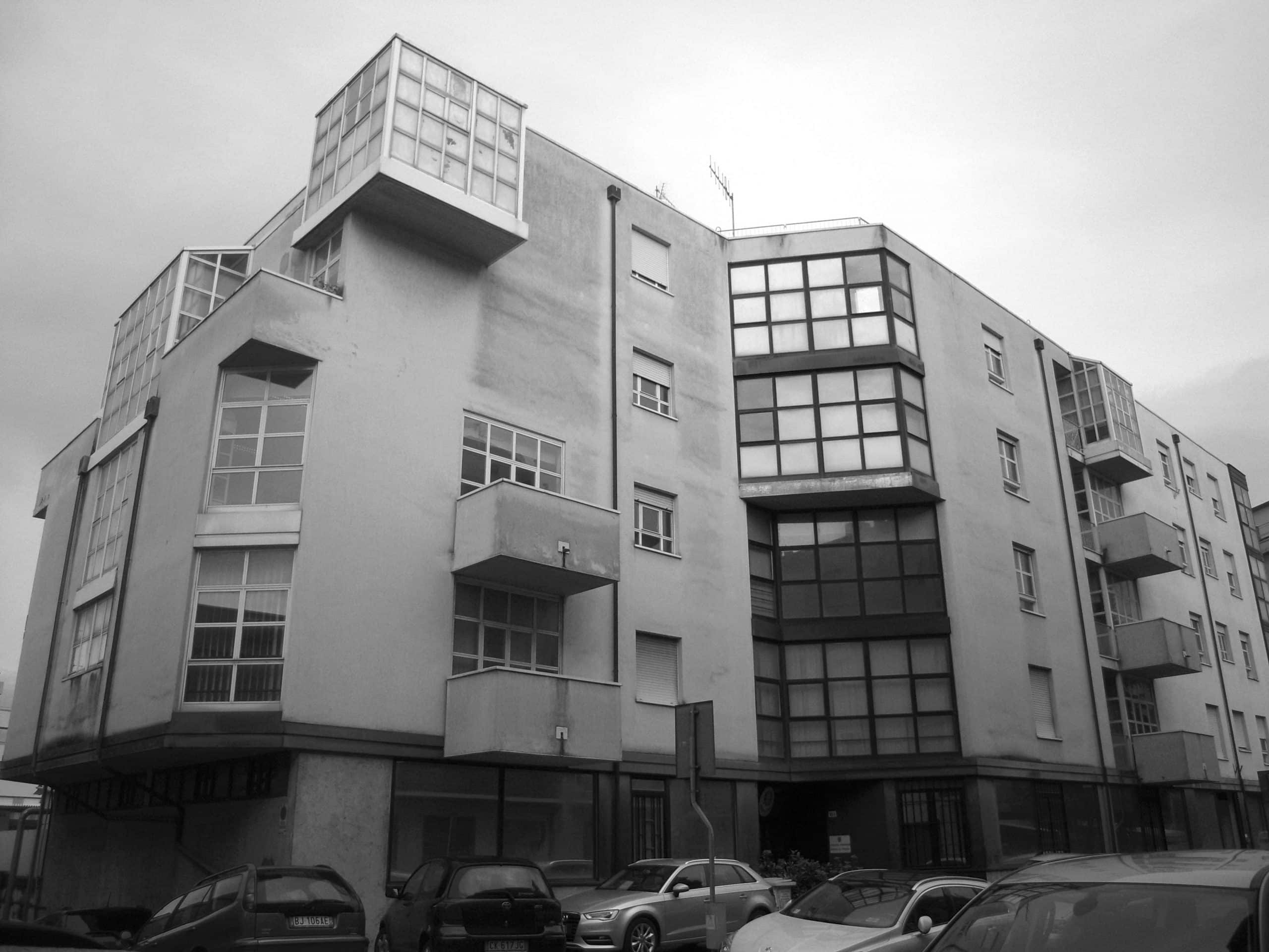 8 - Edificio polifunzionale per la Banca Popolare di Spoleto in viale Trento e Trieste, Spoleto (PG); con A. Zanmatti - Vista esterna