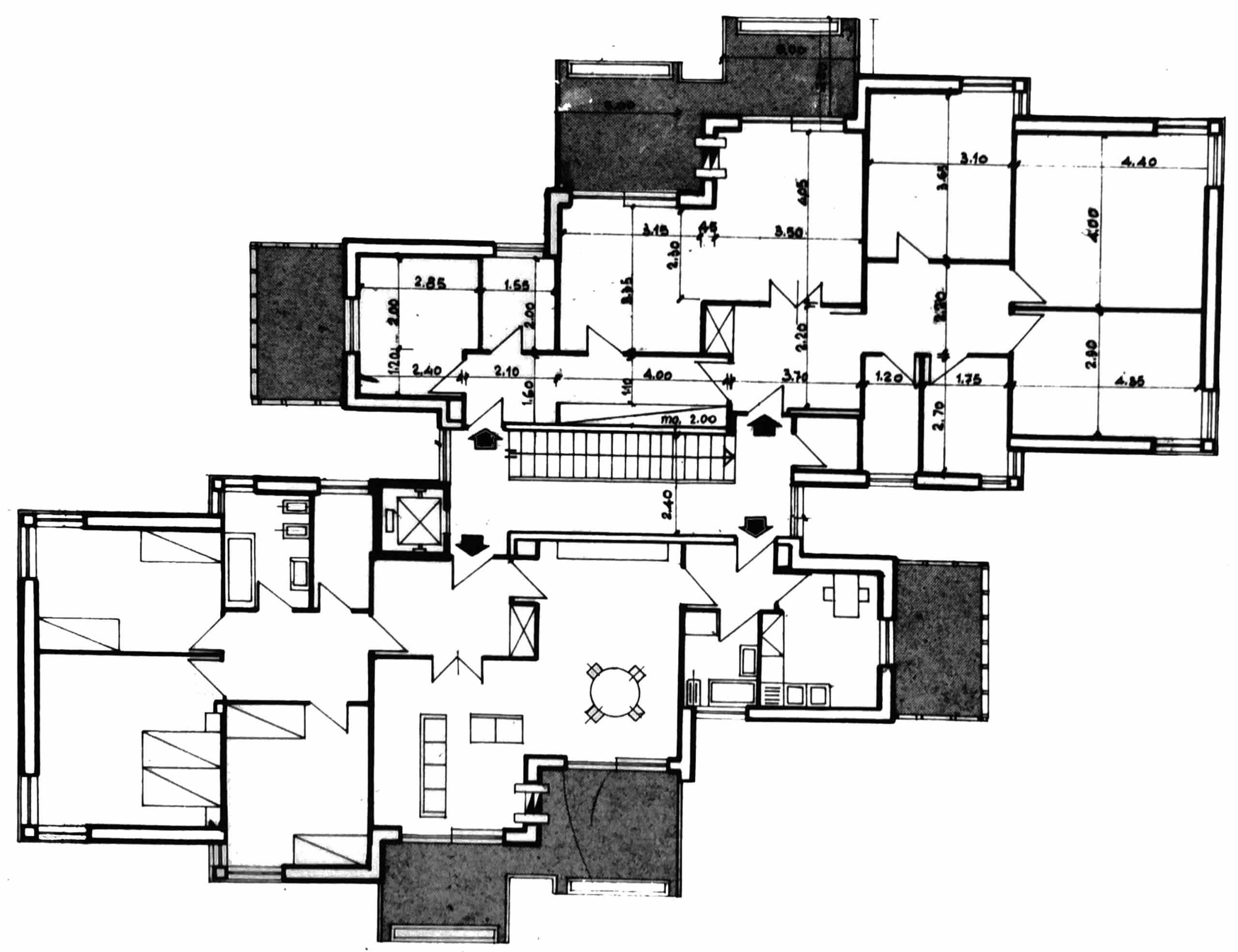 8 - Complesso di due edifici residenziali per 12 alloggi nel PdZ Roma - Casal dei Pazzi; con R. De Vito - Pianta tipo degli edifici A e B